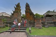 batuan villa temple is a must see when visiting bali