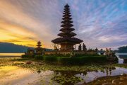 amazing bali with the Beratan lake Temple Bali tour