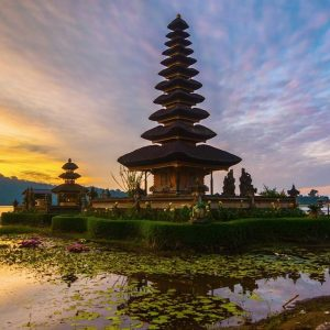 experience Bali's finest ancient culture at Beratan lake Temple Bali