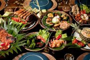 enjoy a beautiful buffet lunch Balinese style