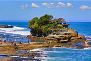 experience the beautiful tanah lot temple of the beach