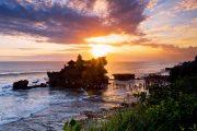 amazing views of tanah lot sunset-tour bali